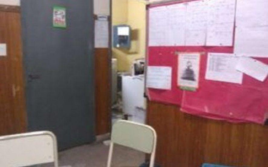 Quilmes: vándalos se llevaron 70 netbooks de la Escuela N° 74