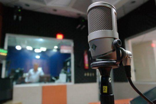 companera eterna: enterate por que se celebra hoy en todo el mundo el dia de la radio