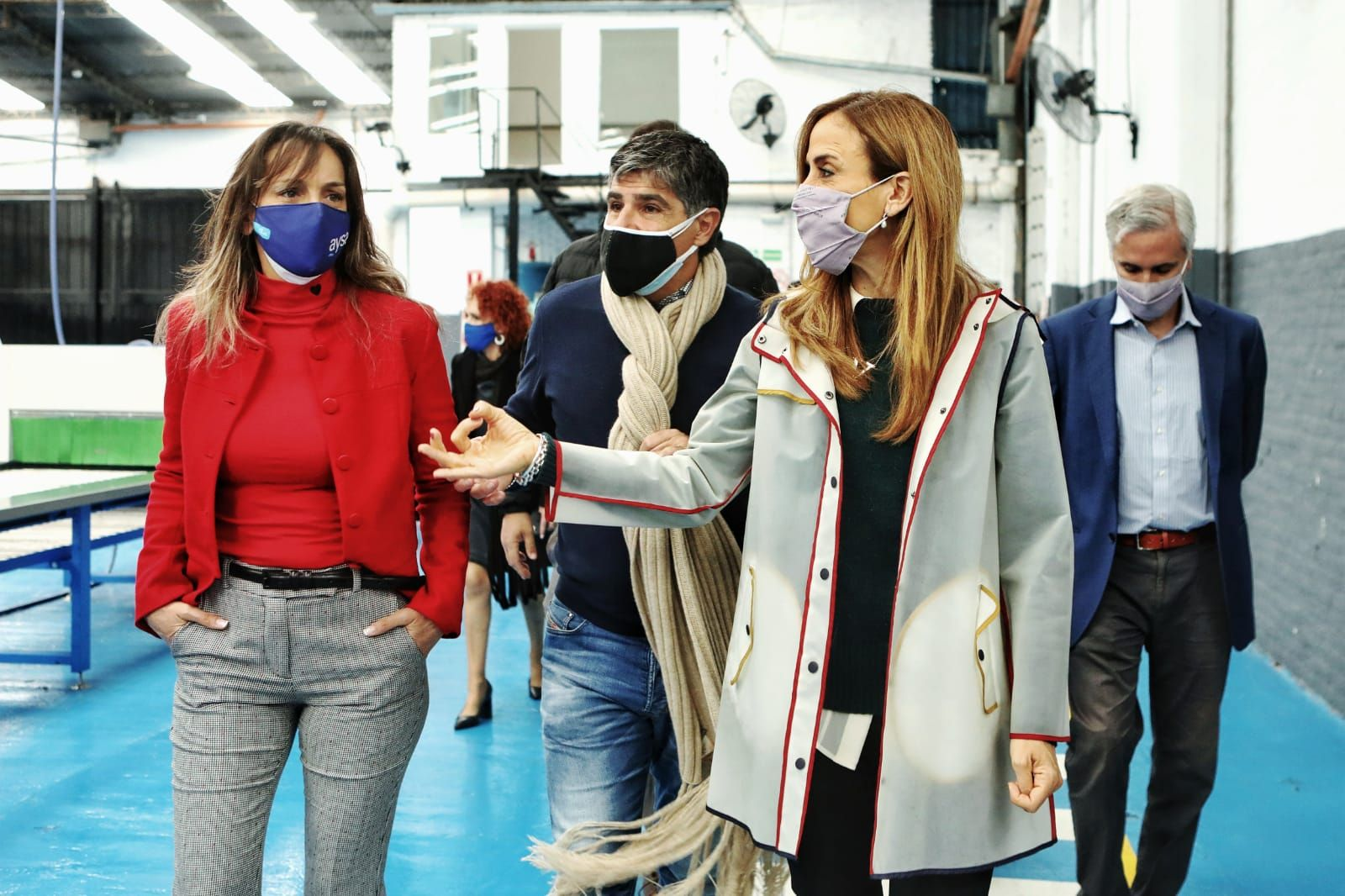 Tolosa Paz recorrió fábrica de Tigre con Malena Galmarini