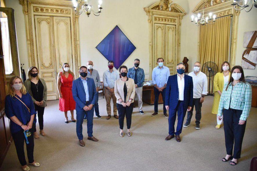 El Grupo Dorrego debatió con el bloque de Juntos por el Cambio en el senado la candidatura de Carrió en la provincia.