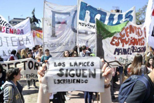 a 43 anos de la noche de los lapices, vuelven a marchar en homenaje a los estudiantes desaparecidos