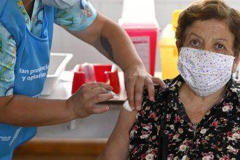 El 69% de los mayores de los mayores de 80 años recibió la vacuna contra el coronavirus