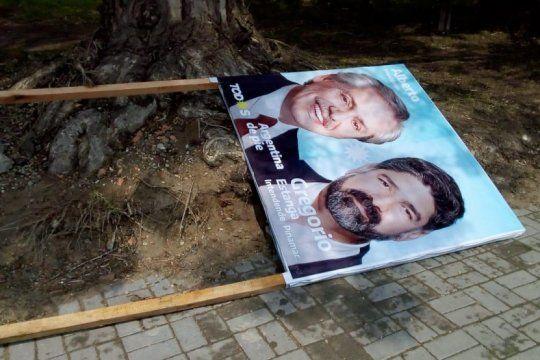 la oposicion pide explicaciones a yeza por la destruccion de carteleria politica en pinamar
