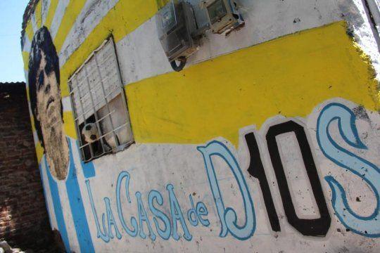 Proponen convertir la casa de Diego Maradona en un Museo