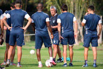 Gimnasia entrena con Gorosito en Estancia Chica.