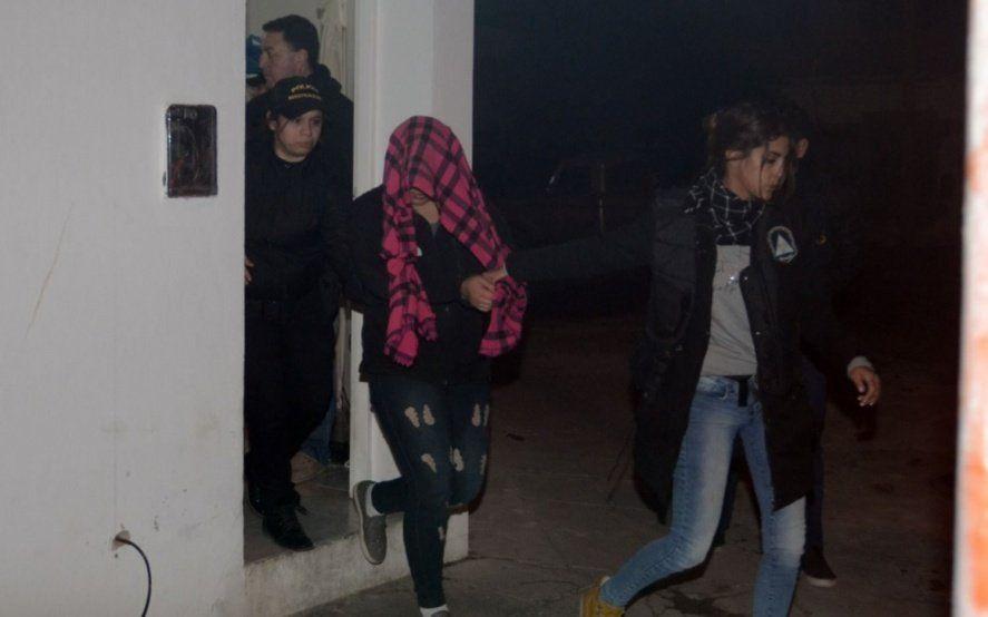 Bahía Blanca: cayó una presunta viuda negra por el crimen de un pescador que fue hallado calcinado