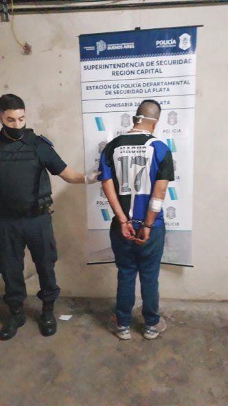 La Plata: Detenido por golpear a su pareja en la vía pública