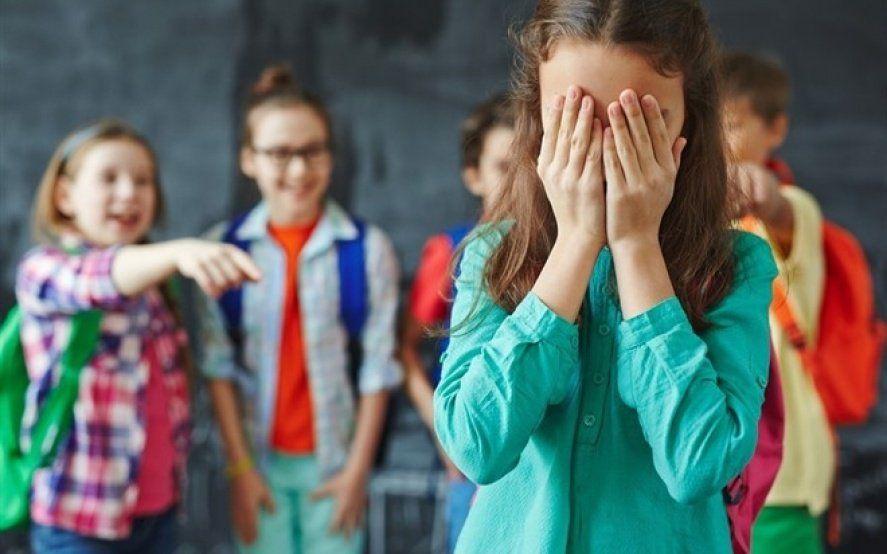En el Día Mundial contra el Acoso Escolar, los famosos se suman a una campaña sobre bullying