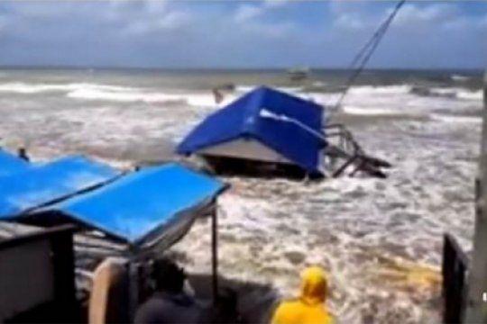 tormenta y danos: mira el impresionante video de la sudestada que azoto a la costa bonaerense