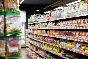 El Indec informó que en agosto cayeron las ventas en los supermercados