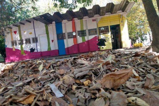 se incendio la biblioteca infantil de parque saavedra en la plata