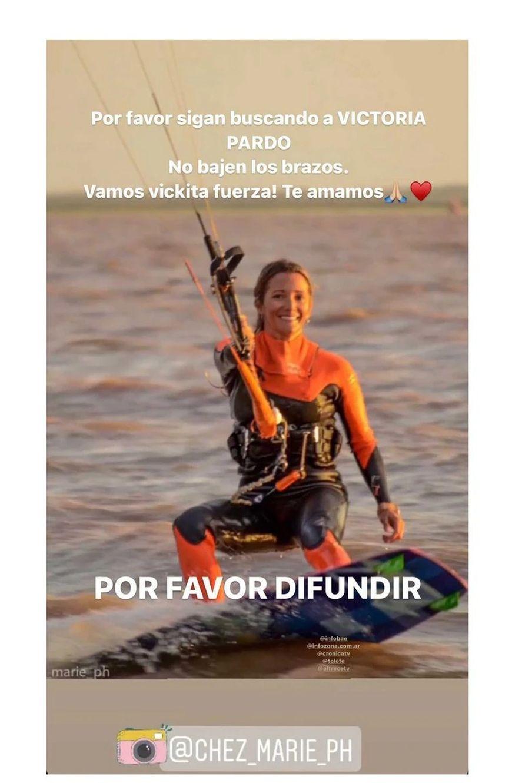 Desesperada búsqueda de una turista que practicaba kitesurf y se perdió en el mar
