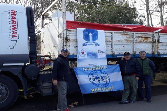 Malvinas Solidarias: El camión que transportaron a El Impenetrable con donaciones de ropa, comida, materiales de construcción.