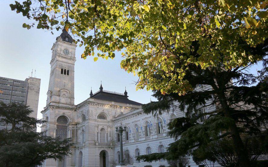 Así funcionarán los servicios municipales en La Plata durante el Día del Empleado Público