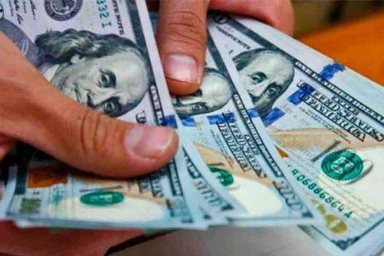 el dolar blue comenzo la semana en alza