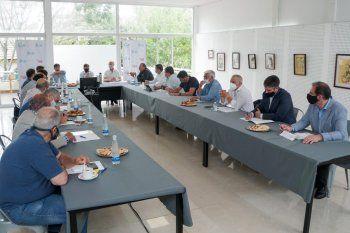 Kicillof convocó a los jefes comunales a una cumbre clave para este mediodía con el fin de analizar nuevas medidas sanitarias