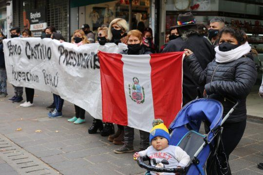 elecciones en peru: reclamo en el consulado de la plata