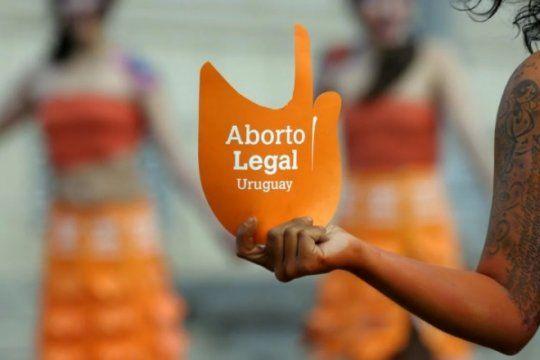 aborto legal en uruguay: ?somos el pais con menor mortalidad materna de america despues de canada?