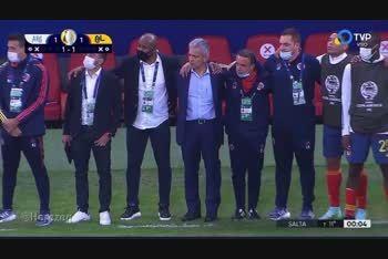 Dibu Martínez fue la figura de Argentina en los penales ante Colombia