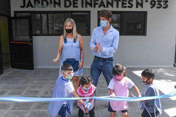 Andreotti inauguró un jardín hecho a nuevo por el Municipio