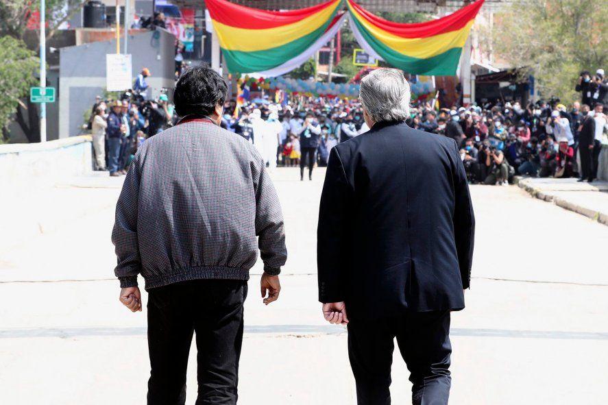 Alberto Fernández acompañó a Evo Morales hasta el límite internacional con Bolivia