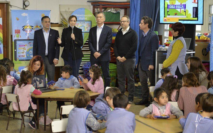 Macri y Vidal presentaron el programa Aprender Conectados en un Jardín de Tres de Febrero