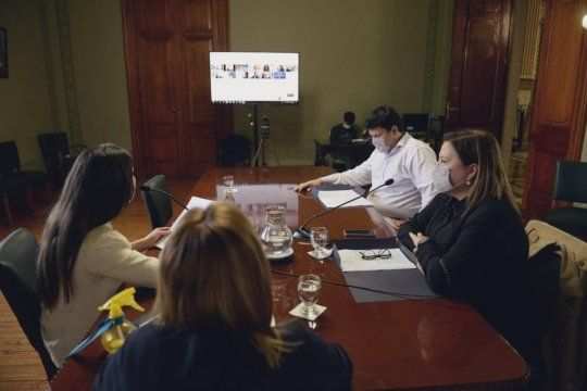 En la Legislatura Bonaerense se trataba en comisión el proyecto de Ley de Buenas Prácticas Agropecuarias. El Frente de Todos denunció que censuraron al senador Francisco Durañona.
