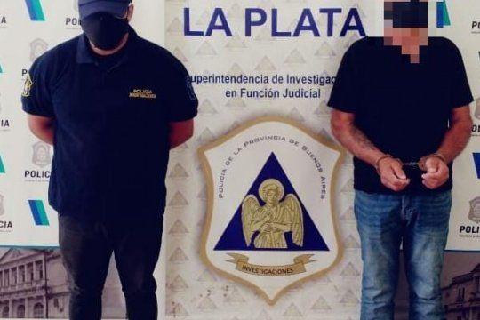 Los vejámenes los cometía en el baño de la casa ubicada en La Plata