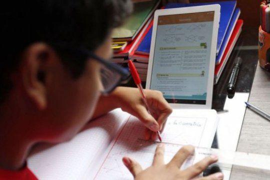 docentes cuestionan la sobrecarga horaria de la educacion virtual y piden reglas claras