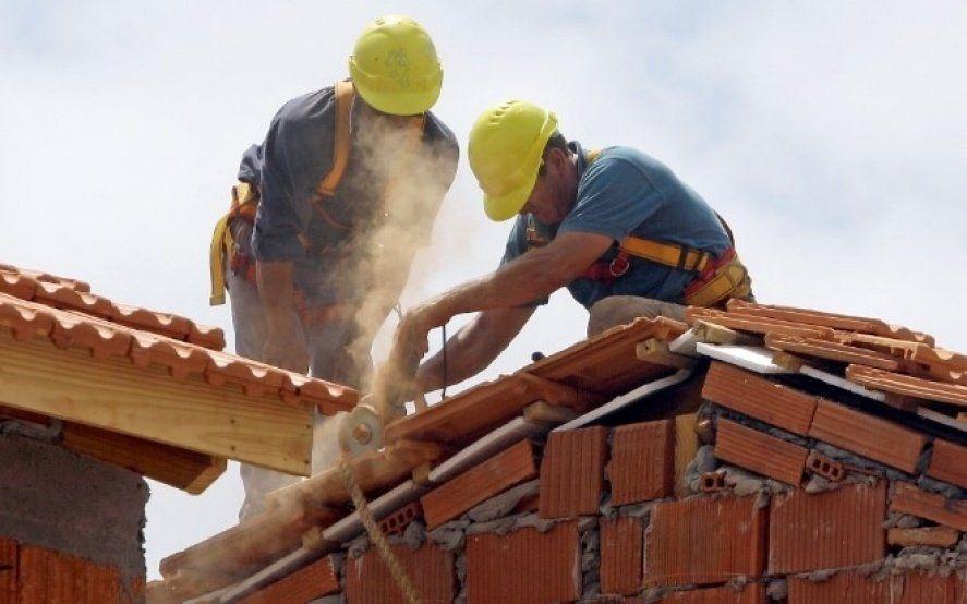 Advierten que se perdieron 40 mil empleos en la construcción bonaerense y piden auxilio a Kicillof