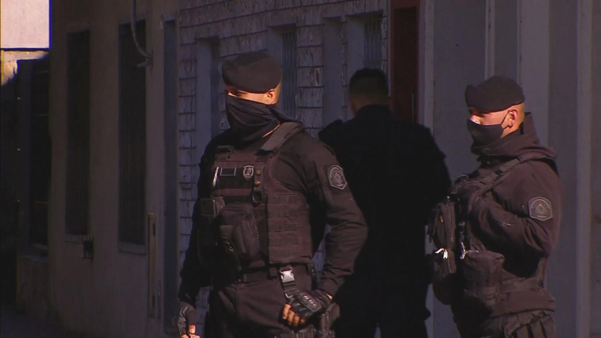 la matanza: un policia enfrento a 12 delincuentes en un robo