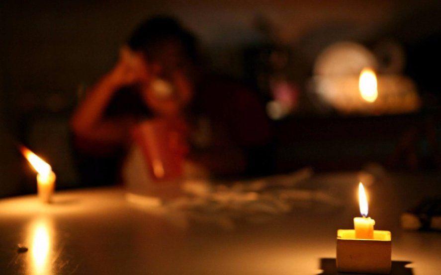 Polémica por cortes de luz en barrios de la Plata