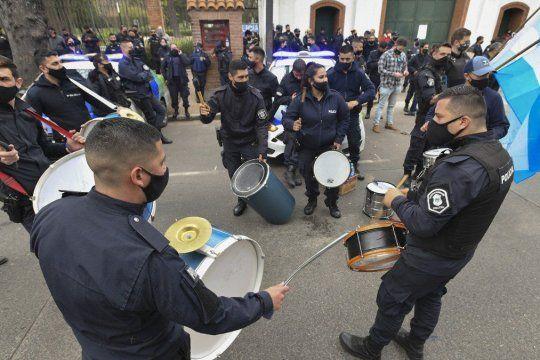 La policía bonaerense y un nuevo reclamo por mejoras