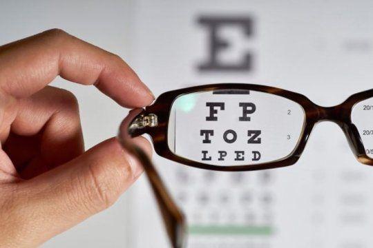 el colegio de opticos alerta sobre campanas ilegales de salud visual en la provincia