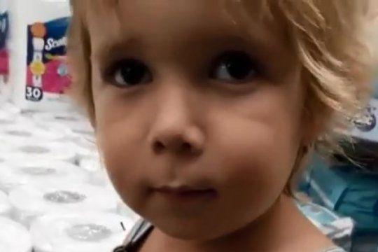mini instagramer: mira el tierno video de tomas, el nene de 4 anos que quiere viajar con marley y mirko