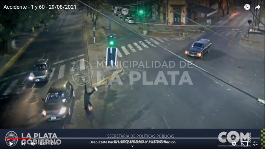 La Plata: un peatón voló por el aire tras ser embestido