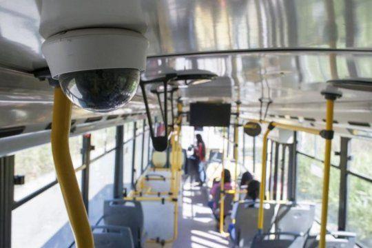 Transporte público: aceleran la instalación de cámaras