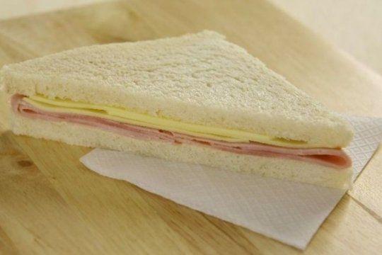 la anmat prohibio la venta de una marca de sandwich de miga porque ?se halla en infraccion?
