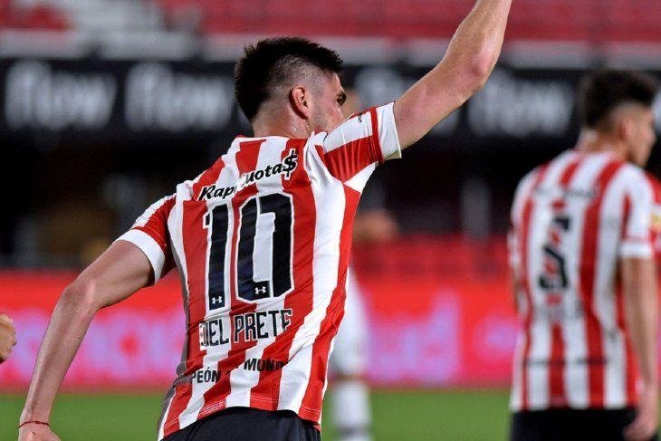Gustavo Del Prete festeja su gol en Estudiantes ante Platense