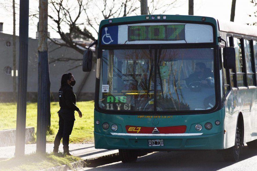 Durante la pandemia las modificaciones en la movilidad incluyeron una reducción en los viajes y la disminución en el uso del transporte público.