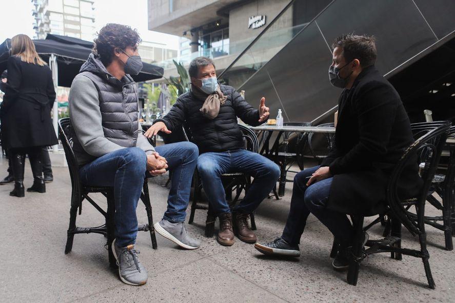 Facundo Manes y Martín Lousteau durante el desayuno en el que analizaron la situación de la educación