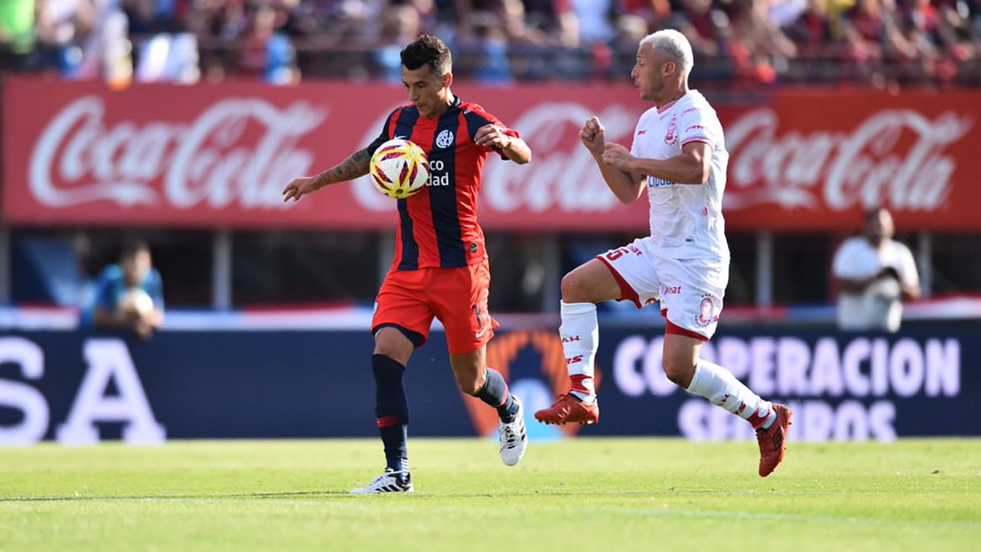 El clásico entre Huracán y San Lorenzo, otro de los atractivos de la fecha de fútbol argentino.