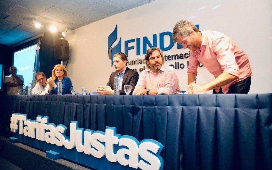 """Desde el CEPIS criticaron que """"la política tarifaria de Vidal ha sido igual o peor que la de Macri"""""""