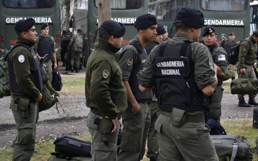 Investigan si 15 gendarmes torturaron a varios vecinos en un procedimiento por la cuarentena obligatoria