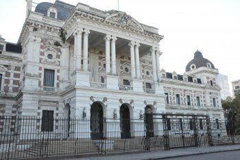 Kicillof recibe más pedidos de reapertura de paritarias
