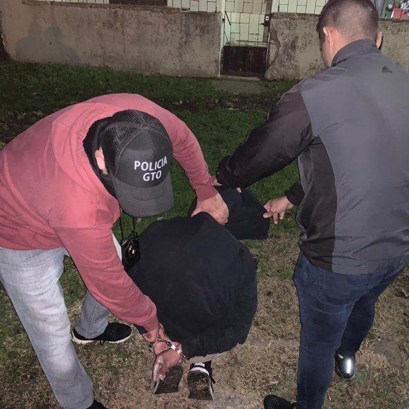 El prófugo fue detenido en Los Hornos por personal de la comisaría Tercera