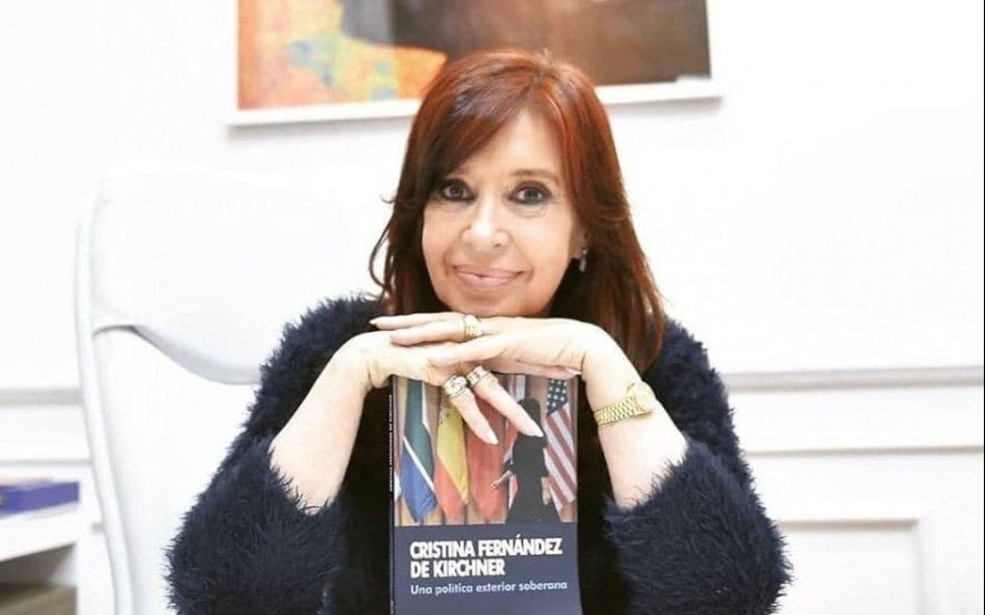 """Tras el boom de """"Sinceramente"""", Cristina lanza otro libro que recopila sus discursos"""