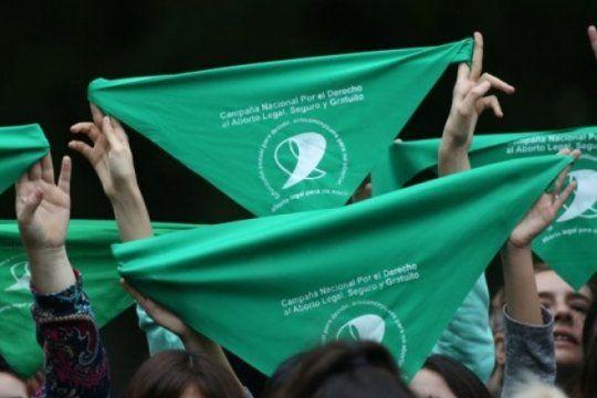 aborto legal: la unlp se viste de verde y convoca a una ?jornada para que sea ley?