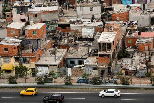 un estudio evaluo el efecto de la ultima devaluacion y asegura que la pobreza es de 37%