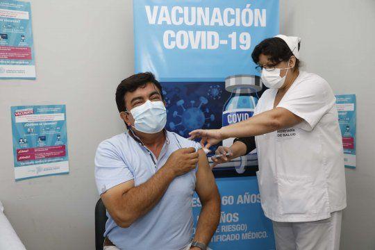 La Matanza: Fernando Espinoza se aplicó la vacuna Sputnik V
